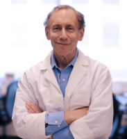 Robert_Langer_BioTech_Awards_Video_laboratory--