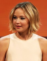 Jennifer_Lawrence_at_214._Wetten,_dass.._?_show_in_Graz,_8._Nov._2014_cropped