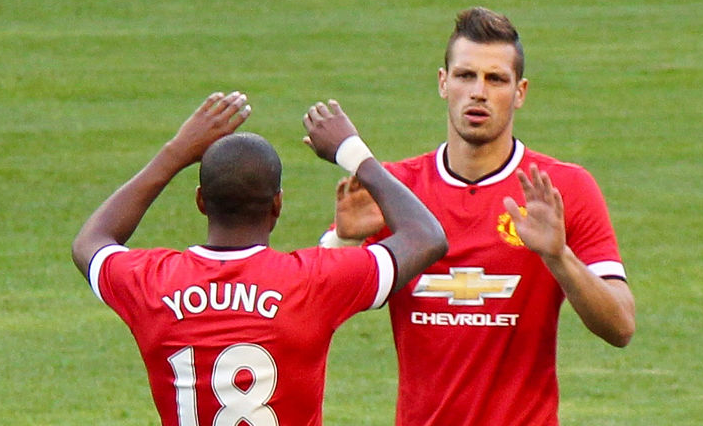 Young,_Schneiderlin_-_July_2015