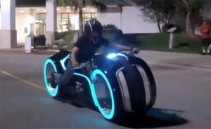 light-cycle-replica-630