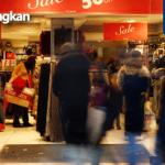 Aman Bertransaksi dengan Kartu Kredit Saat Berlibur