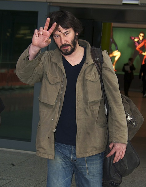 "51030417 ""The Matrix"" star Keanu Reeves arrives on a flight at Heathrow Airport from Los Angeles on March 5, 2013 in London, England. FameFlynet, Inc - Beverly Hills, CA, USA - +1 (818) 307-4813 RESTRICTIONS APPLY: USA ONLY"