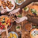 Hanya Ada di Bulan Ramadhan, Tujuh Tempat Ini Tawarkan Makanan Sampai Jasa Gratis