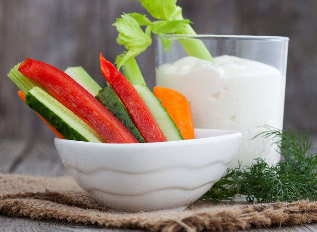 veggies-yogurt-dip