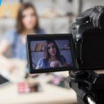 Berbincang dengan Hani Hikaru, Vlogger Cantik yang Jago Merias Wajah